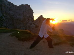 Kako do trdnega zdravja v času jeseni po načelih TKM?